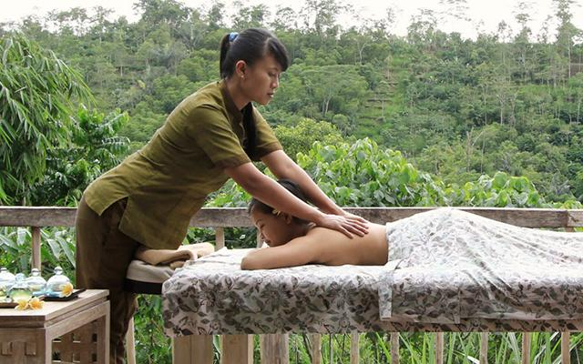 Tirta Bulan Spa - Puri Sebatu Resort - Back Massage